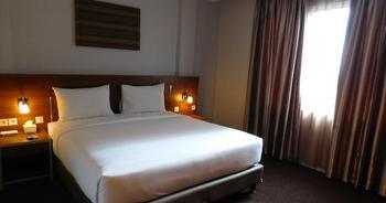 Megara Hotel by Azana Pekanbaru - Deluxe Double Regular Plan