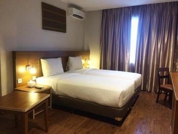 Megara Hotel by Azana Pekanbaru - Executive Twin Regular Plan