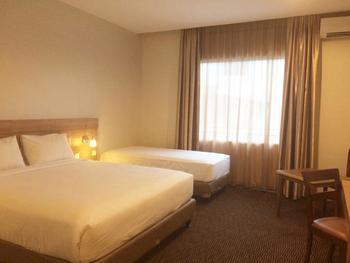 Megara Hotel Pekanbaru Pekanbaru - Executive Family Regular Plan