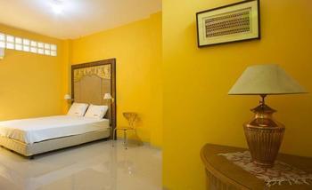 RedDoorz Near Pramuka Jakarta - RedDoorz Room Special Promo Gajian!