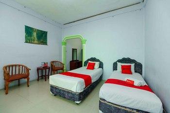RedDoorz Syariah Hotel Enasti Berastagi Karo - RedDoorz Twin Room Basic Deal