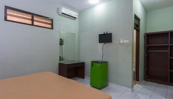 RedDoorz @ Sorga Poppies Lane Bali - RedDoorz Room Regular Plan