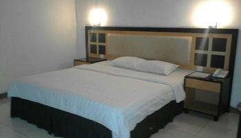 Graha Hotel Sragen - Deluxe Room Regular Plan
