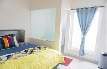Surabaya Homey near Airport Surabaya - Backpacker Room  Regular Plan