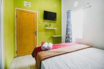 RedDoorz near Politeknik Manado Manado - RedDoorz Room with Breakfast Last Minute