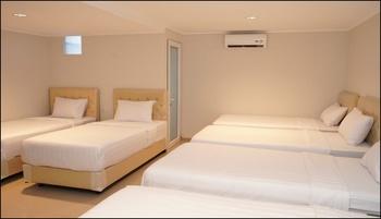 Aruuman Hotel Simpanglima Semarang Semarang - Family Room Regular Plan