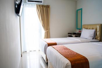 Aruuman Hotel Simpanglima Semarang Semarang - Deluxe Room with Breakfast Kurma Deal