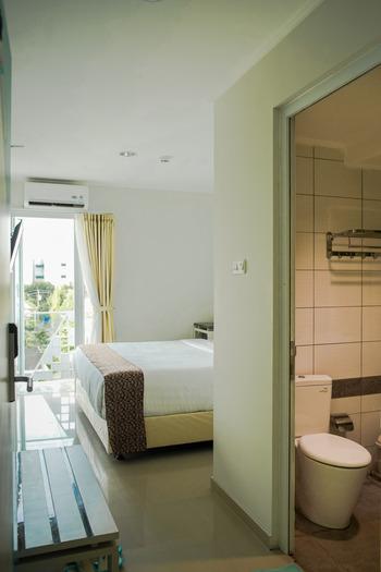 Aruuman Hotel Simpanglima Semarang Semarang - Deluxe Room Only Regular Plan