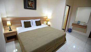 DPT 33 Surabaya - Standard Kingsize Room Only Over Stay