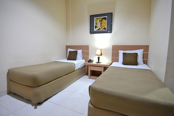DPT 33 Surabaya - Standard Twin Room Only P Regular Plan
