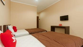 ZenRooms Bukit Jimbaran Buana Bali - Double Room Regular Plan