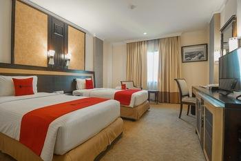 RedDoorz Premium Syariah @ Semarang City Center Semarang - RedDoorz Deluxe Twin Room Last Minute Deal