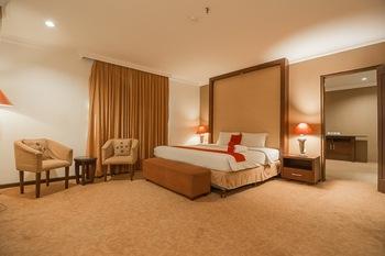 RedDoorz Premium Syariah @ Semarang City Center Semarang - RedDoorz Suite Room Last Minute Deal