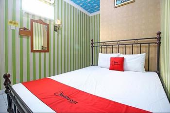 RedDoorz near Mall Ambarukmo Yogyakarta Yogyakarta - RedDoorz Limited Sale Regular Plan