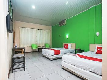 OYO 2079 Jambi Raya Hotel Jambi - Standard Twin Room Regular Plan
