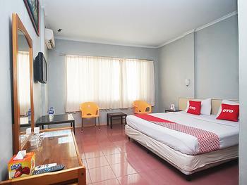 OYO 2079 Jambi Raya Hotel Jambi - Standard Double Room Regular Plan