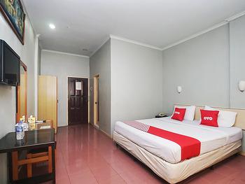 OYO 2079 Jambi Raya Hotel Jambi - Deluxe Double Room Regular Plan