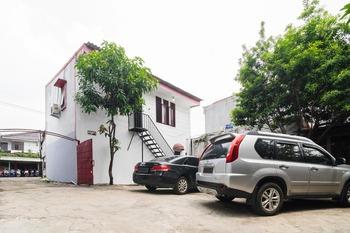 RedDoorz near Universitas Pamulang