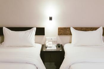 Barelang Hotel Nagoya Batam Batam - Standard Twin room only Regular Plan