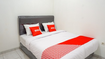 OYO 1932 Srimahi Near RS Muhammadiyah Bandung - Standard Double Room Regular Plan