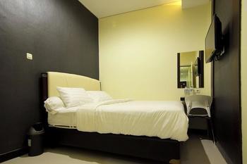 deKost Madiun Madiun - Deluxe Room Regular Plan