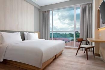 Hotel Santika Bukittinggi Bukittinggi - Deluxe Room Hollywood Staycation Offer Regular Plan
