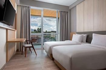 Hotel Santika Bukittinggi Bukittinggi - Deluxe Room Twin with Balcony Staycation Offer Regular Plan