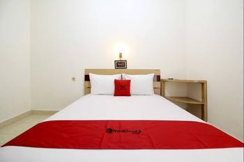 RedDoorz @ Jalan Menteri Supeno Yogyakarta - RedDoorz Room with Breakfast Regular Plan