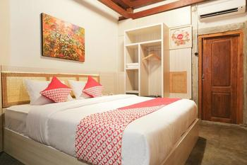 OYO 321 Kampung Lawasan Heritage Cottage Yogyakarta - Deluxe Double Minimum Stay