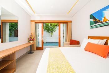 Apple Villa Suite Spa Seminyak Bali - Deluxe Suite dengan Akses kolam renang Regular Plan