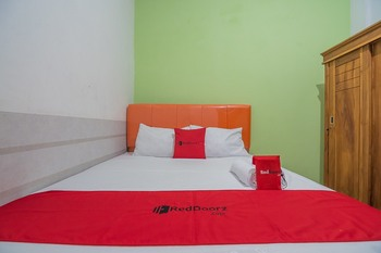 RedDoorz near Exit Toll Pasteur 3 Bandung - RedDoorz Room with Breakfast Regular Plan