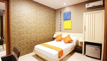 Putri Bali Guest House Surabaya - Superior Room Only Long Stay Discount