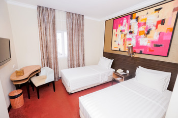 Brits Hotel Pangkalan Bun Kotawaringin Barat - Superior Twin Room Only Regular Plan
