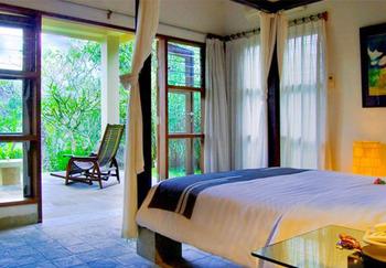 Puri Saron Hotel Gianyar Bali - Two Bedroom Villa Jungle View  FLASH