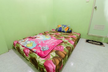 Serut 2 Homestay Jogja - Standard Double Room Only FC Stay More Pay Less