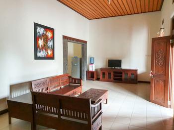 Villa Puri Bali Malang - Deluxe Villa Minimum stay 2 nights