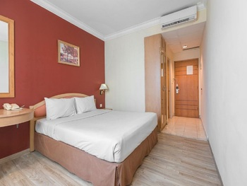 Hotel Banian Bulevar Jakarta - Superior Double Promo Room Only December Promo