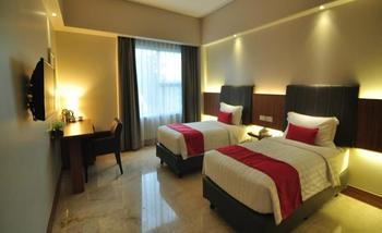 Demelia Hotel Makassar - Superior With Breakfast Basic Deal 15%