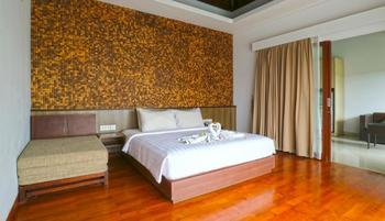 Aquarius Star Hotel Kuta - Deluxe One Bedroom Suite with Breakfast Limited Promotion