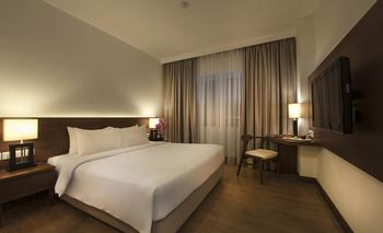 Hotel Allium Tangerang - Deluxe King With Breakfast Regular Plan