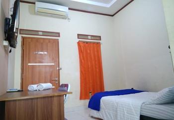 Wisma Jasmine Syariah Palembang - Single Bed AC (Kamar AC untuk sendiri.Maks Cek in Jam 22:00) Last Minute's Discount