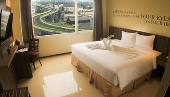 Kyriad Metro Cipulir Jakarta - Deluxe Room Regular Plan