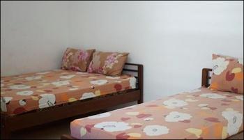 Penginapan Lestari Bali - Family Room Regular Plan
