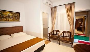Jaksa Guest House Near Alun-Alun Bandung Bandung - Standard Queen Bed With AC Regular Plan