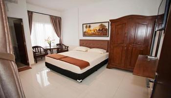Jaksa Guest House Near Alun-Alun Bandung Bandung - Deluxe Queen Bed With AC Regular Plan