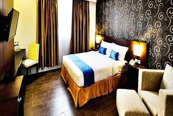Zenith Hotel Kendari - Junior Suite - With Breakfast Regular Plan