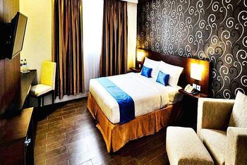 Zenith Hotel Kendari - Junior Suite Room Only Regular Plan