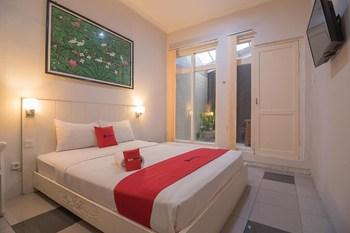 RedDoorz near UPI Setiabudi 2 Bandung - RedDoorz Deluxe Room LM