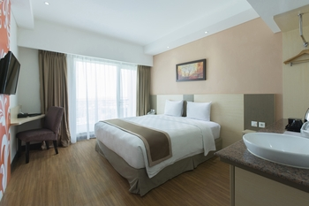 Dalton Hotel Makassar - Superior Double Room Only - Special Deals Regular Plan