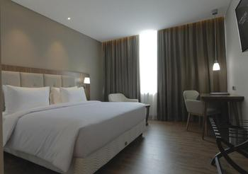 Avenzel Cibubur Managed by Topotels Bekasi - Superior Room Special Offers